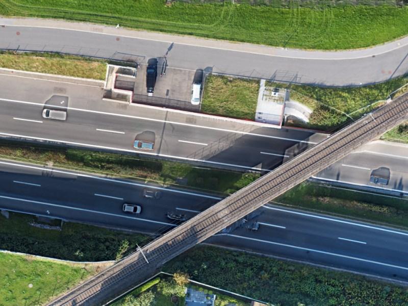 Vermessung und Geomatik: Orthophoto des Autobahnabschnittes zur Nachführung der Bodenbedeckung