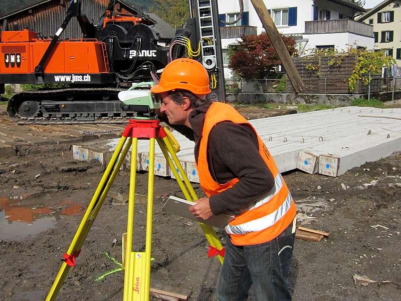 Vermessung: Präzisionsnivellement zur Höhenübertragung oder Setzungsmessung